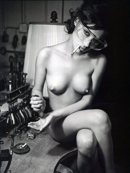 порно с сигаретой фото